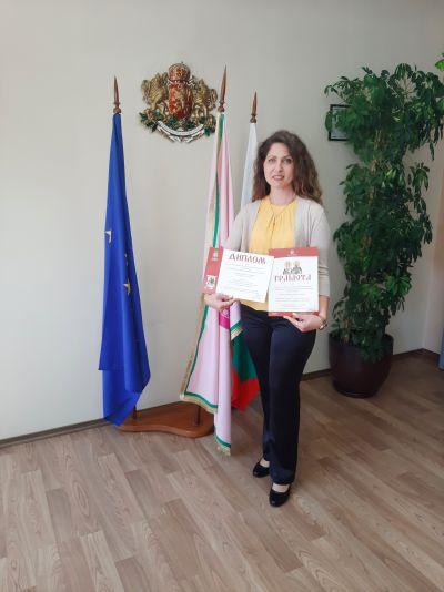 Награждаване на отличилите се в конкурсите, организирани от Община Казанлък по повод честването на 11 май и 24 май. - Изображение 5
