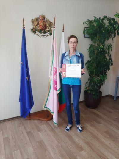 Награждаване на отличилите се в конкурсите, организирани от Община Казанлък по повод честването на 11 май и 24 май. - Изображение 6